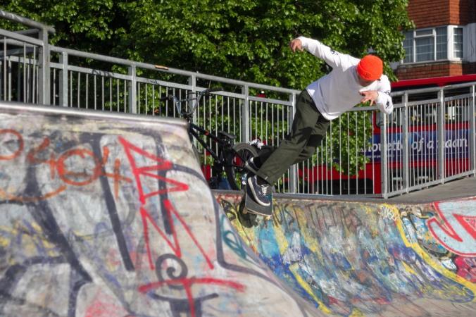 james hall flicknife clothing skateboarding © scott madill 2016 backside smith stockwell skatepark brixton london skateboarder