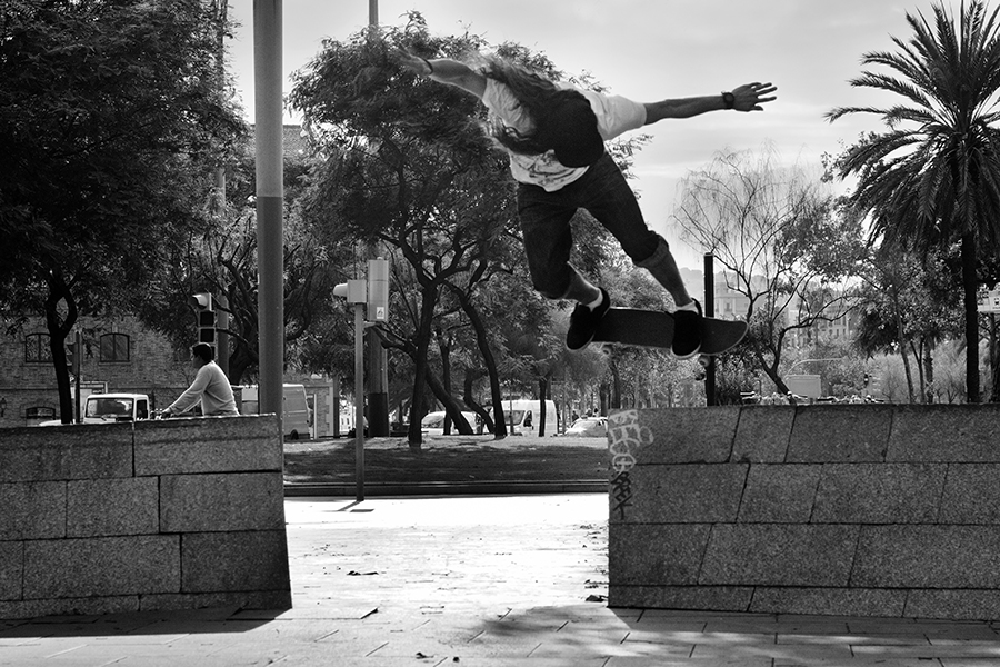 Flicknife clothing Martyn Thomas backside gap ollie barcelona photo Danny Parker