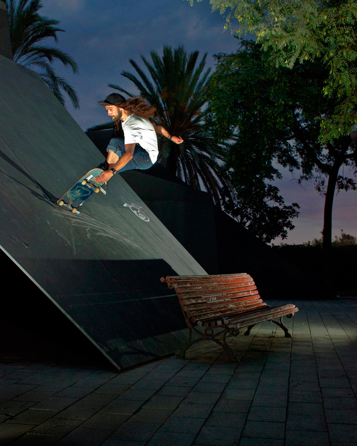 flicknife clothing martyn thomas barcelona tailslide nosegrab phot: dnny parker